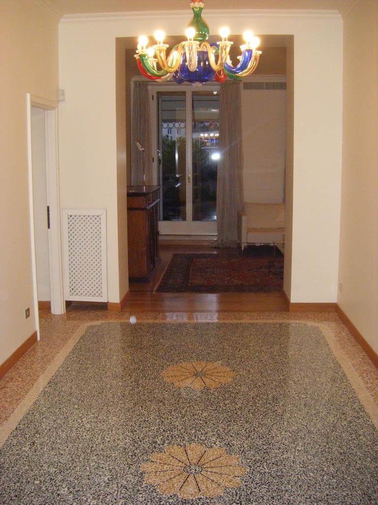 Cavaliere mobili casa a verona centro for Arredamento casa verona